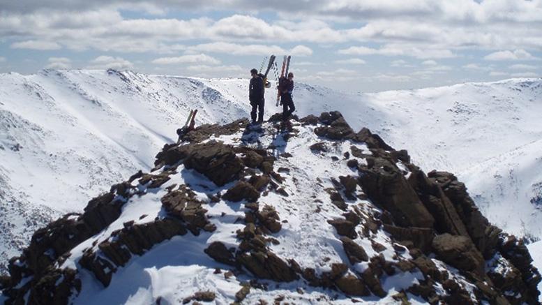 Au sommet de l'Arête de Roc |Photo: Collection Vertigo Aventures