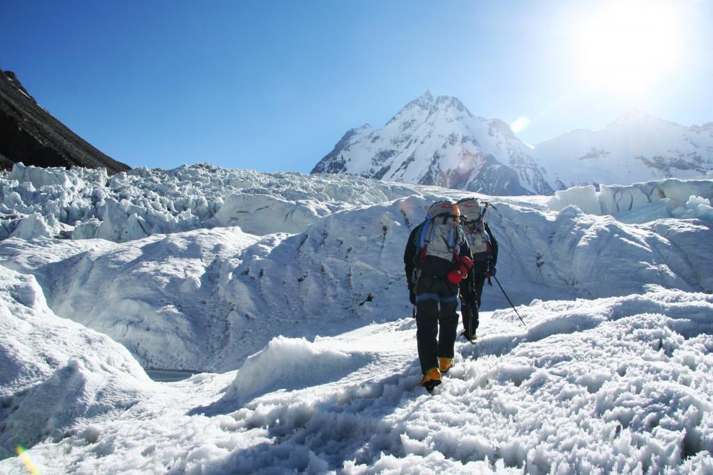 Toujours au pied du K2, en route vers le C1.